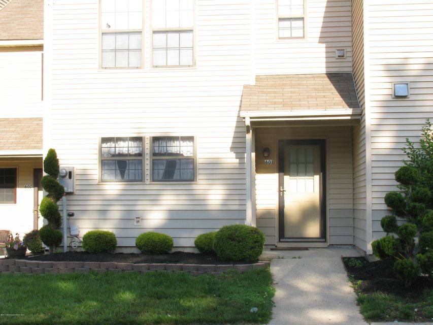 Condominium for Rent at 601 Violet Lane Jackson, New Jersey 08527 United States