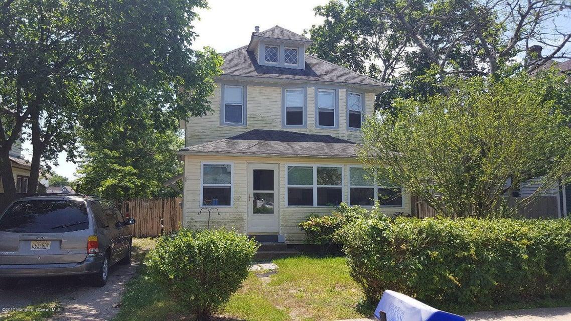 Maison unifamiliale pour l Vente à 206 Cedar Street Lakehurst, New Jersey 08733 États-Unis