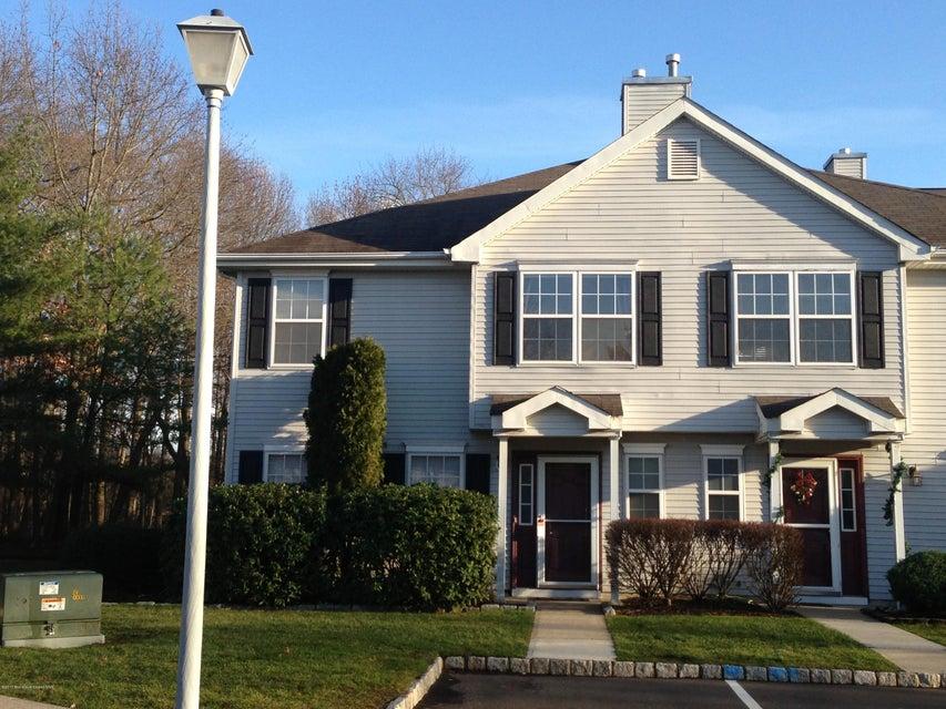 共管式独立产权公寓 为 出租 在 973 Lily Court 摩根维尔, 新泽西州 07751 美国