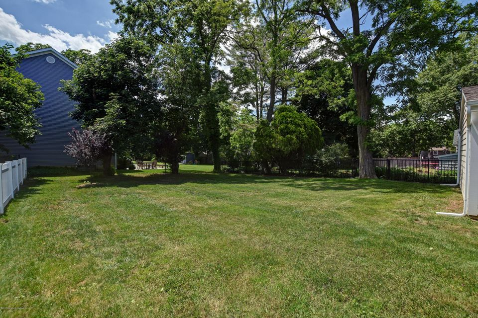 EXPANSIVE PRIVATE YARD