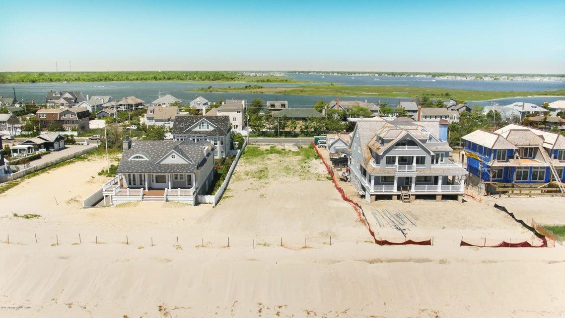 Terrain pour l Vente à 1047 Ocean Avenue 1047 Ocean Avenue Mantoloking, New Jersey 08738 États-Unis