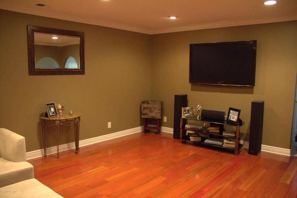 Family Room Home Theatre