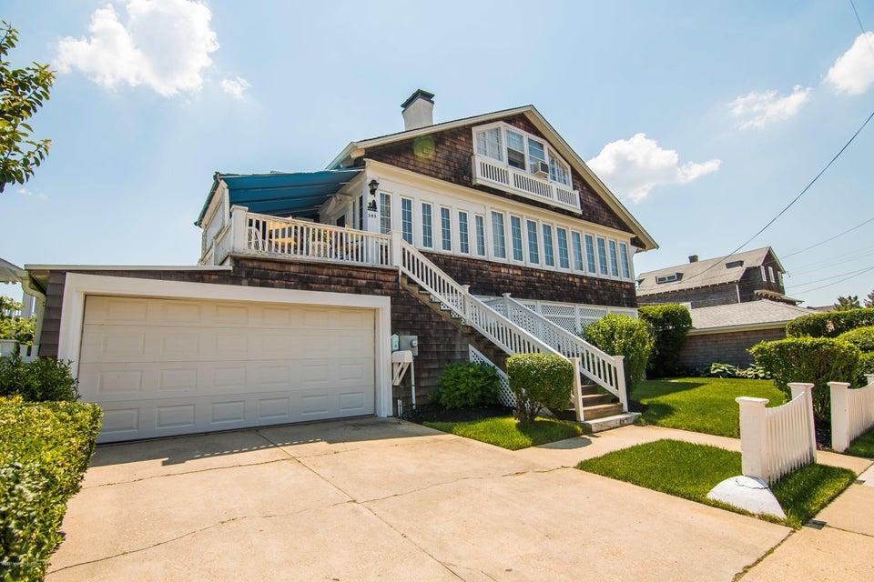 Maison unifamiliale pour l Vente à 543 East Avenue Bay Head, New Jersey 08742 États-Unis