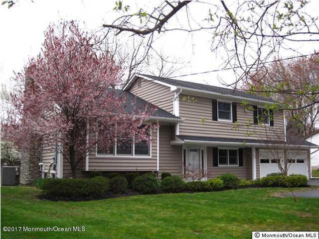 独户住宅 为 出租 在 5 Clayton Road 摩根维尔, 新泽西州 07751 美国