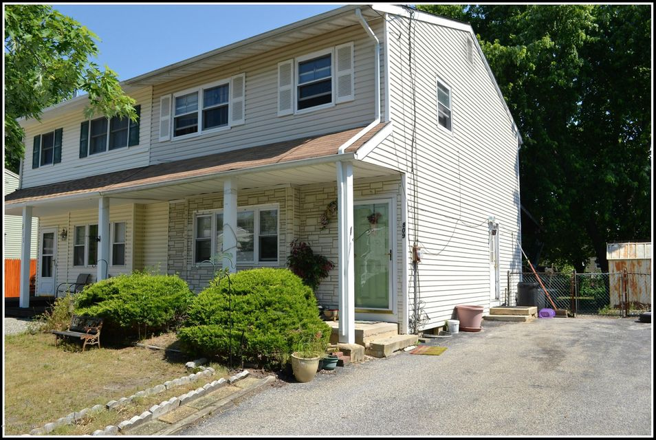 Single Family Home for Sale at 809 Laurel Street Lakehurst, New Jersey 08733 United States