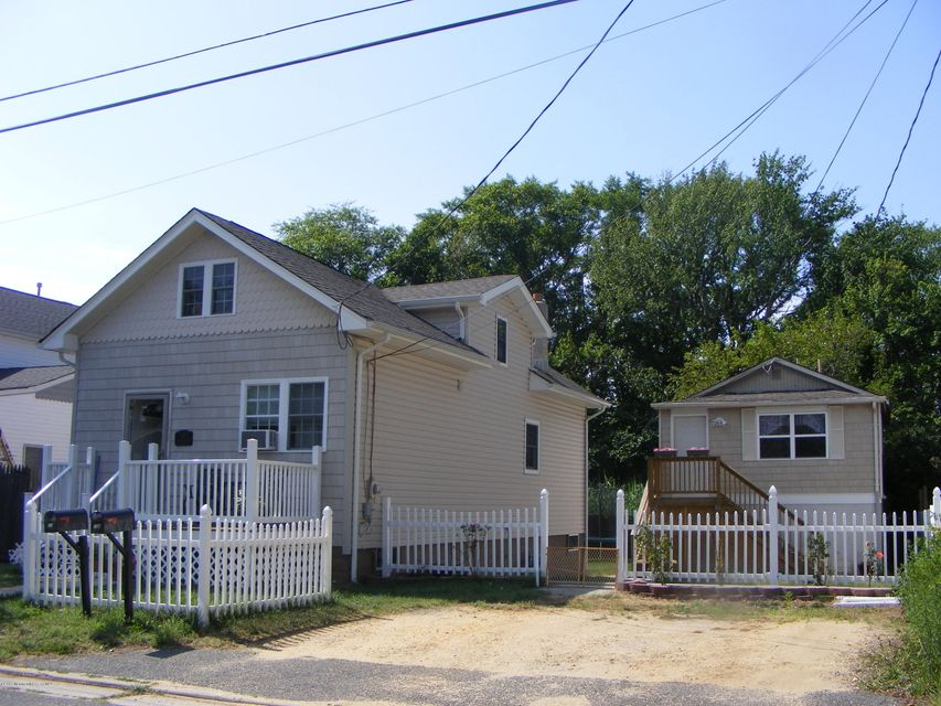 Single Family Home for Sale at 10 Central Avenue Port Monmouth, New Jersey 07758 United States