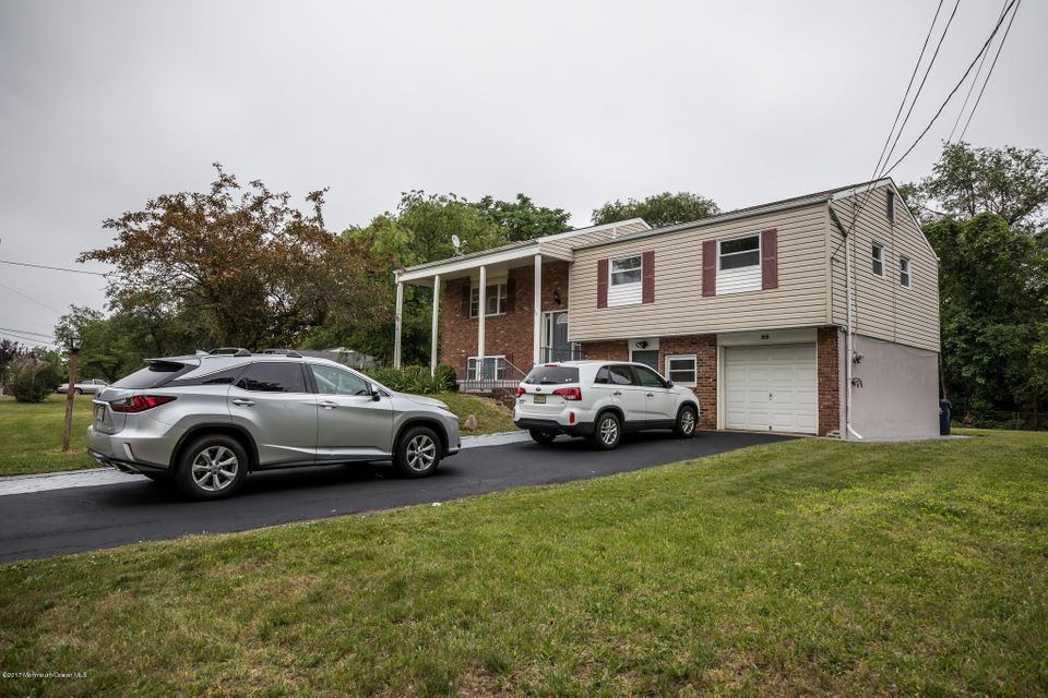Single Family Home for Sale at 89 Buena Vista Avenue Piscataway, New Jersey 08854 United States
