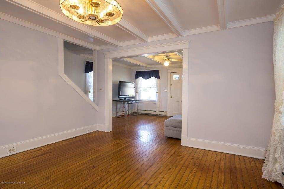 605 1/2 Dining room