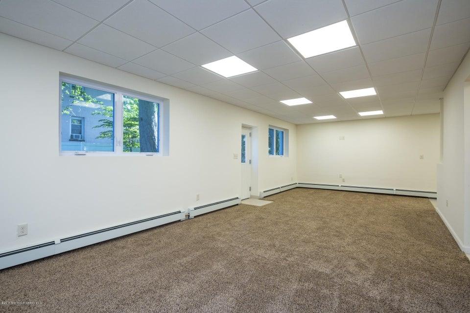 605 1/2 Rear Great room