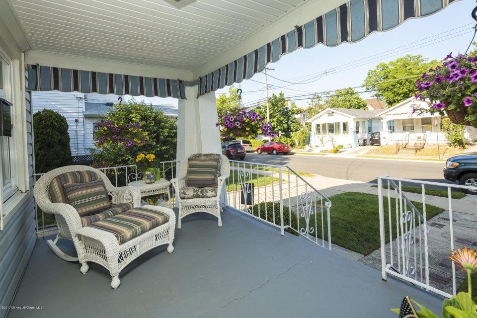 605 1/2 Front porch