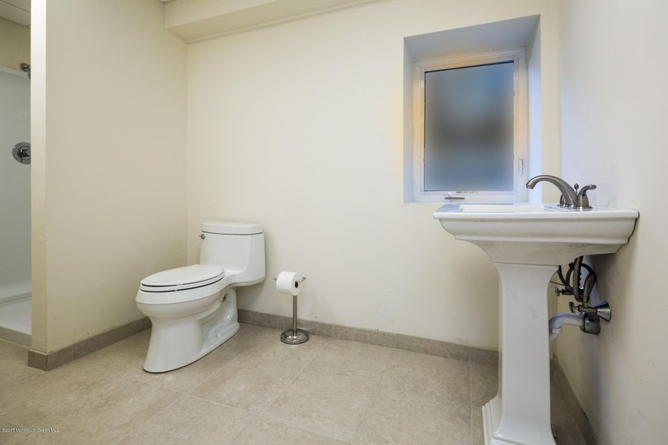 605 1/2 Rear Bathroom
