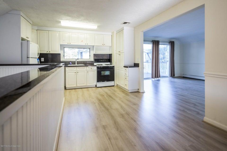 605 1/2 Rear Kitchen