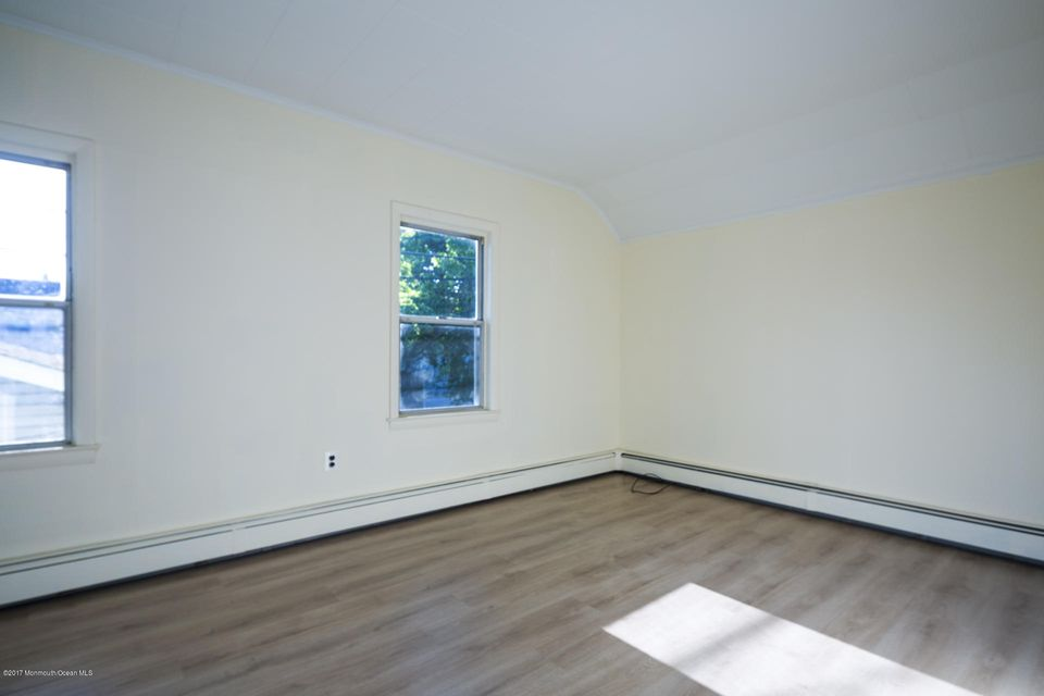 605 1/2 Rear Bedroom
