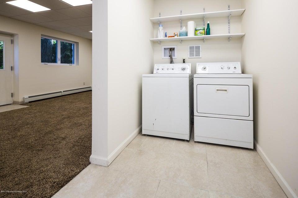 605 1/2 Rear Laundry Area