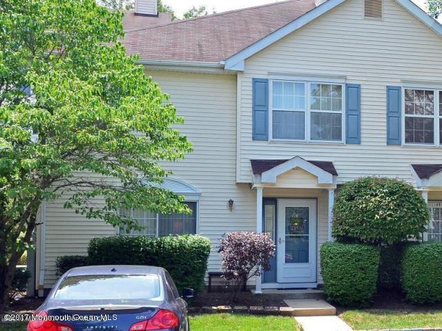 共管式独立产权公寓 为 出租 在 1147 Roseberry Court 摩根维尔, 新泽西州 07751 美国