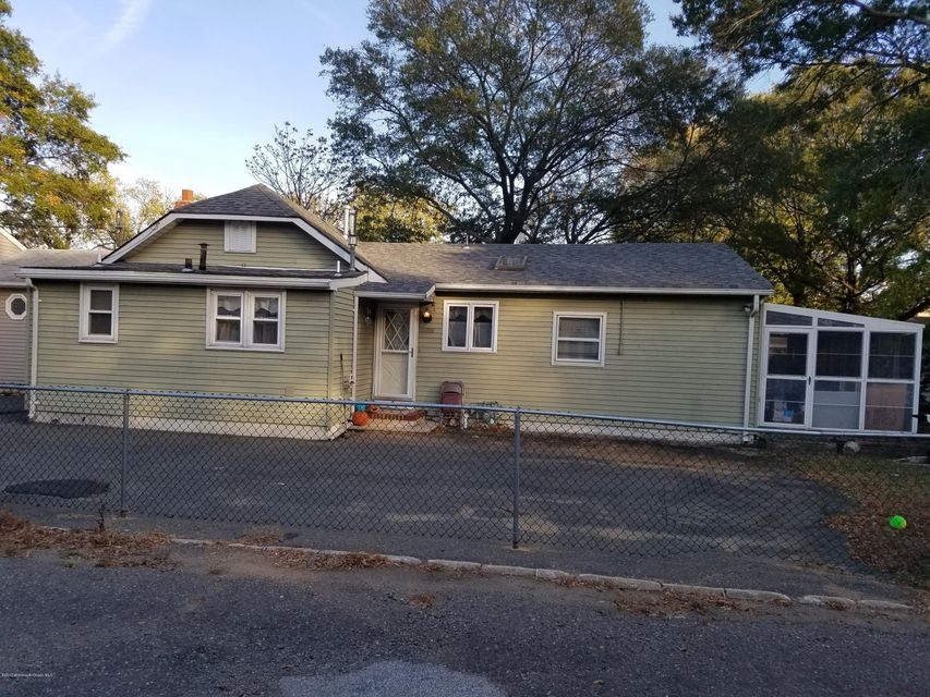 Single Family Home for Rent at 10 1/2 Center Avenue Keansburg, New Jersey 07734 United States
