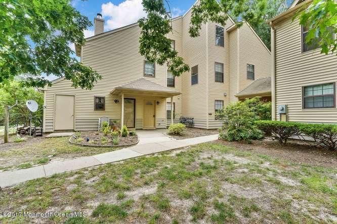 Condominio por un Alquiler en 81 Azalea Circle Jackson, Nueva Jersey 08527 Estados Unidos
