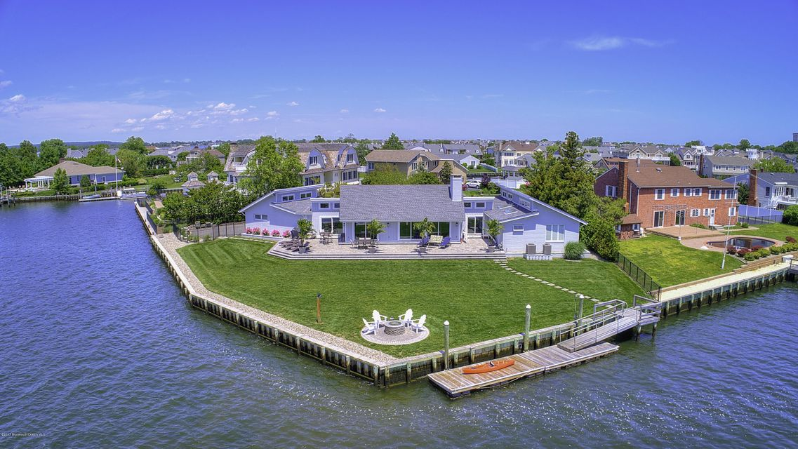 Maison unifamiliale pour l Vente à 27 Gull Point Road 27 Gull Point Road Monmouth Beach, New Jersey 07750 États-Unis