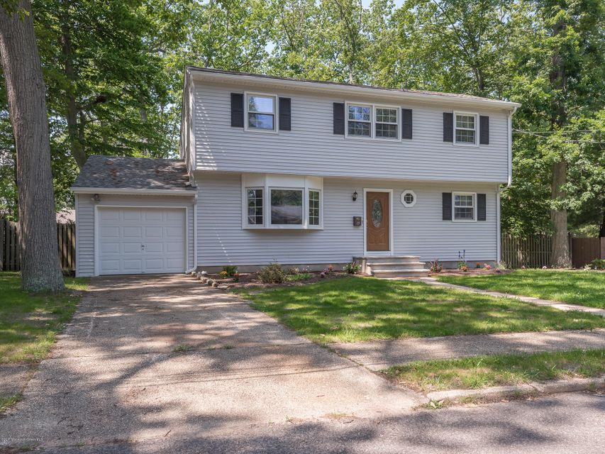 19 Teabury Lane, Oakhurst, NJ 07755