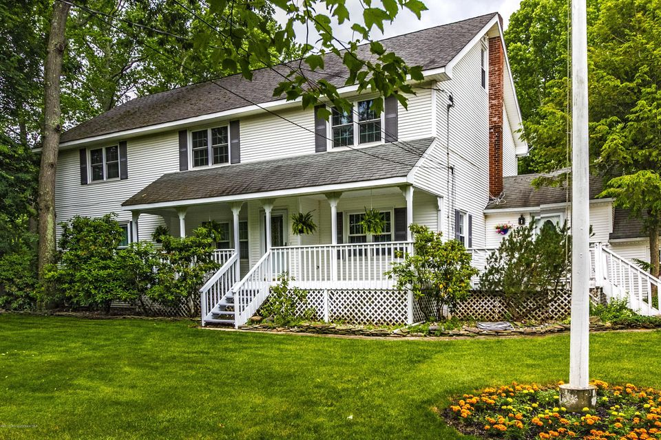 Casa para uma família para Venda às 506 Englishtown Road 506 Englishtown Road Monroe, Nova Jersey 08831 Estados Unidos