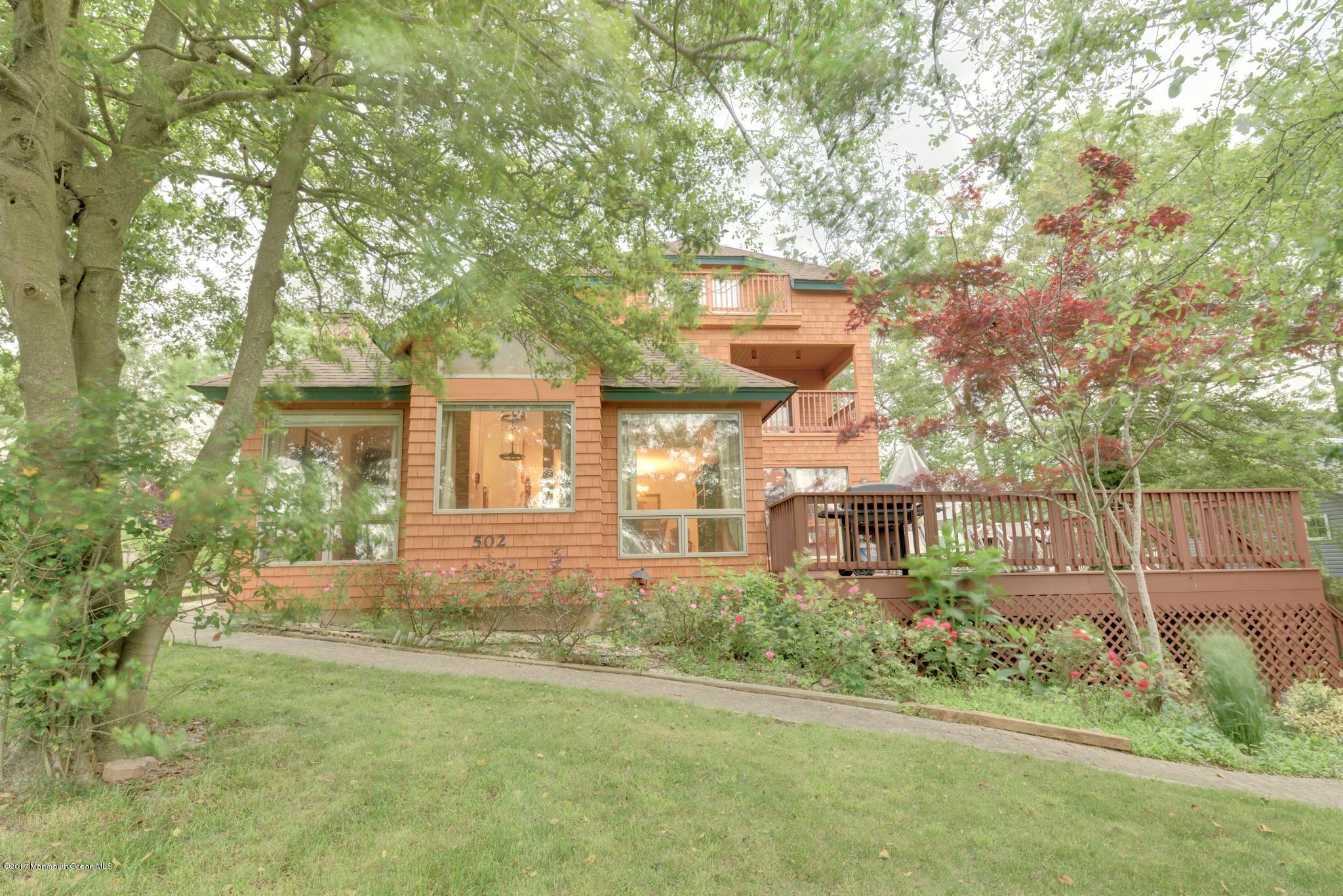 Maison unifamiliale pour l Vente à 502 North Boulevard Lake Como, New Jersey 07719 États-Unis