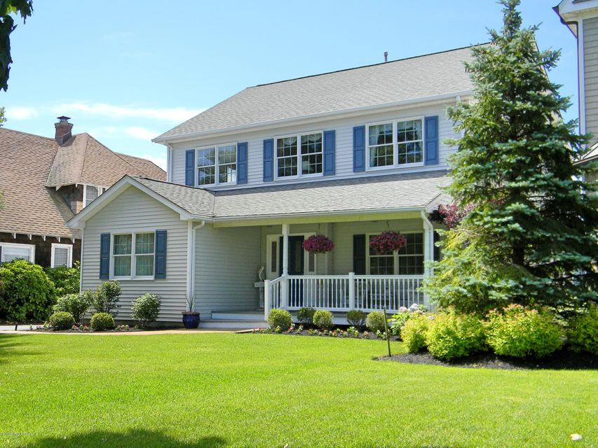 Single Family Home for Sale at 114 Stockton Boulevard 114 Stockton Boulevard Sea Girt, New Jersey 08750 United States