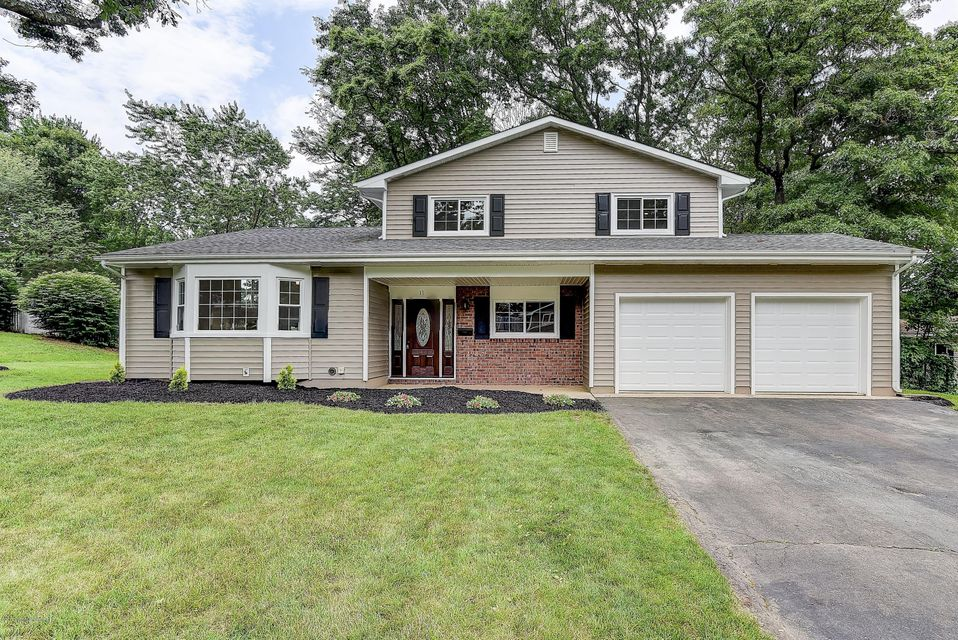 Single Family Home for Sale at 11 Scheid Drive Sayreville, New Jersey 08859 United States