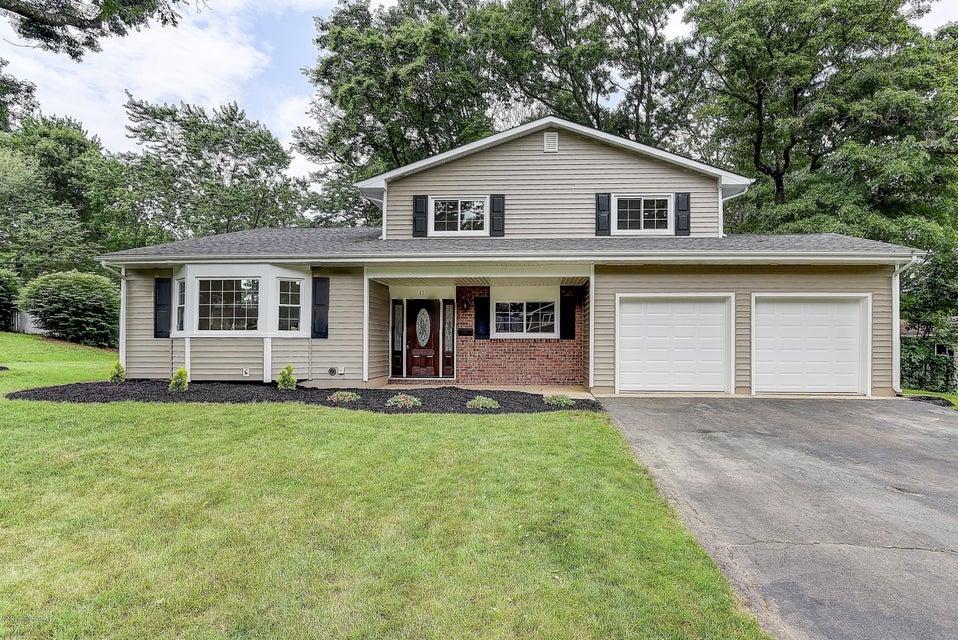 Casa Unifamiliar por un Venta en 11 Scheid Drive Sayreville, Nueva Jersey 08859 Estados Unidos