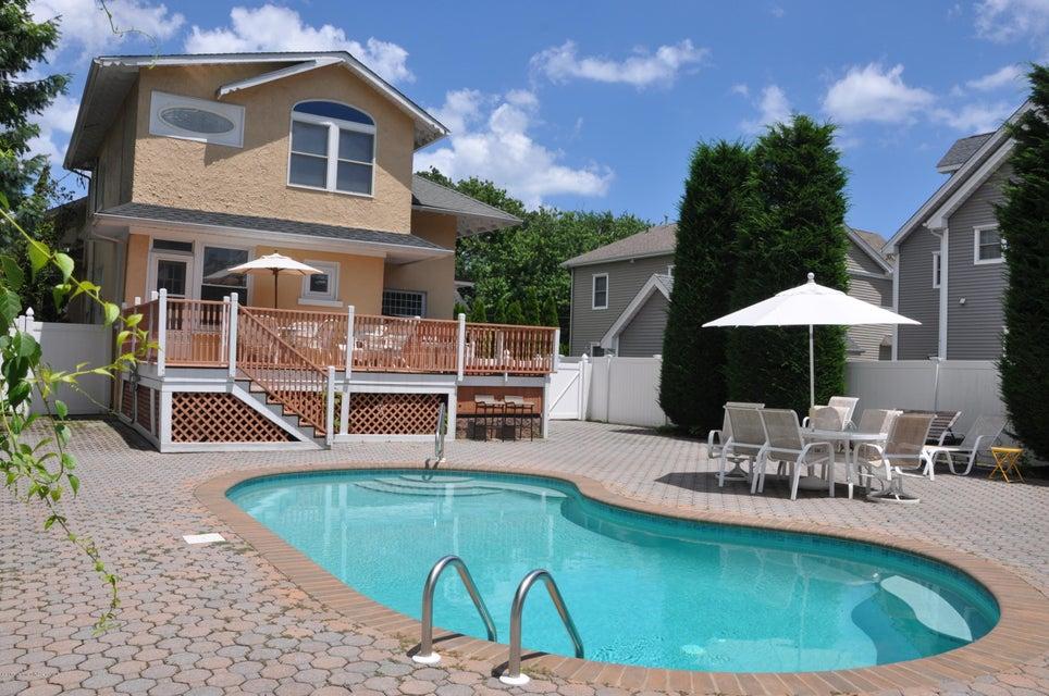 独户住宅 为 出租 在 111 Sea Girt Avenue Manasquan, 新泽西州 08736 美国