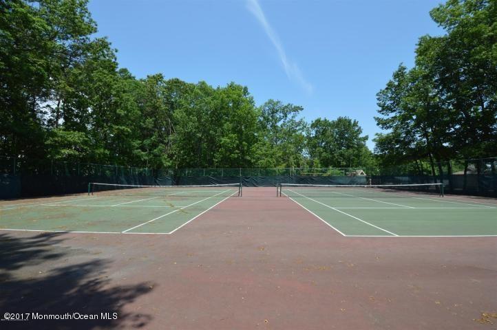 60 acres tennis