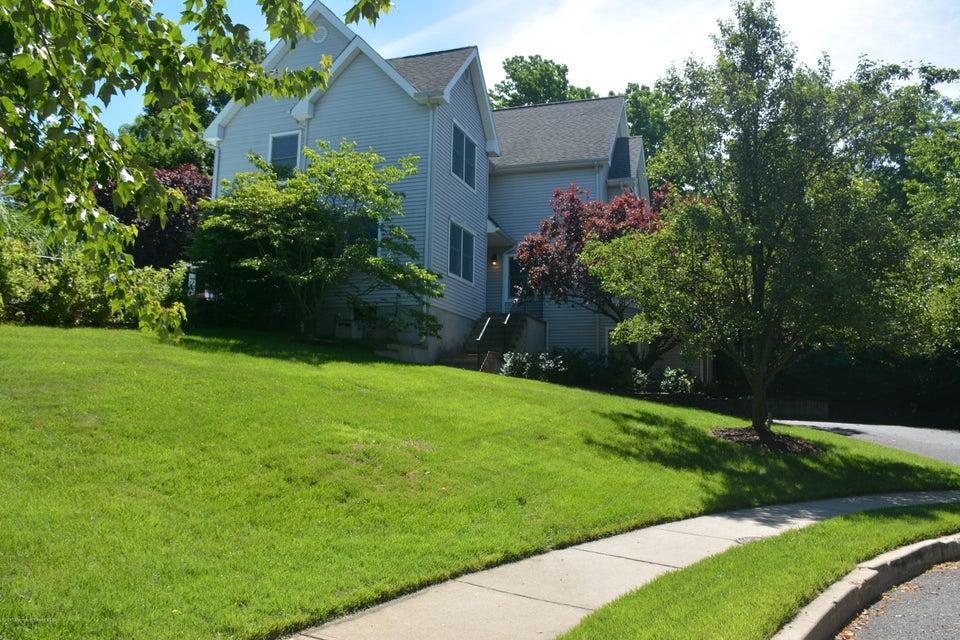 260 Conifer Crest Way, Eatontown, NJ 07724