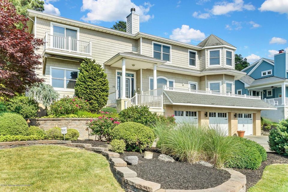 Maison unifamiliale pour l Vente à 26 River Avenue Island Heights, New Jersey 08732 États-Unis