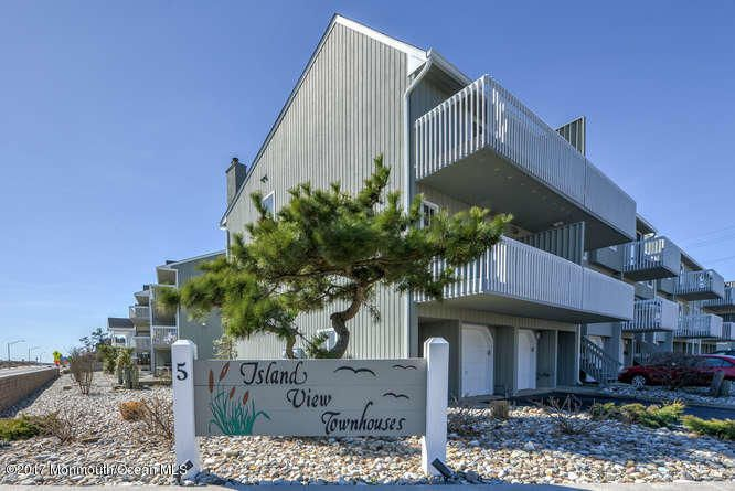 Appartement en copropriété pour l à louer à 5 Island View Way Sea Bright, New Jersey 07760 États-Unis