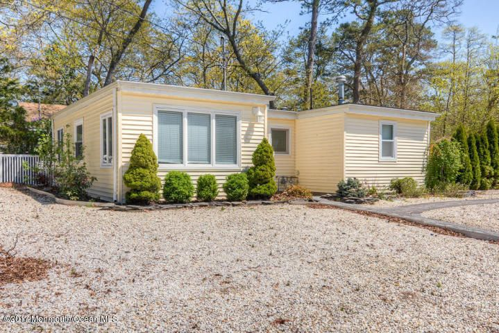 Maison unifamiliale pour l à louer à 10 Cedar Drive Lanoka Harbor, New Jersey 08734 États-Unis