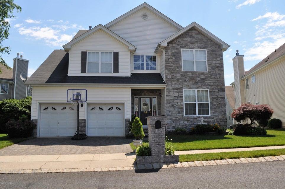 Casa para uma família para Venda às 33 Muirfield Boulevard 33 Muirfield Boulevard Monroe, Nova Jersey 08831 Estados Unidos
