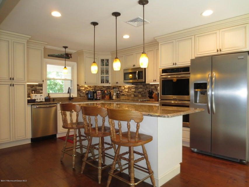 Maison unifamiliale pour l à louer à 40 Idlewild Lane Aberdeen, New Jersey 07747 États-Unis