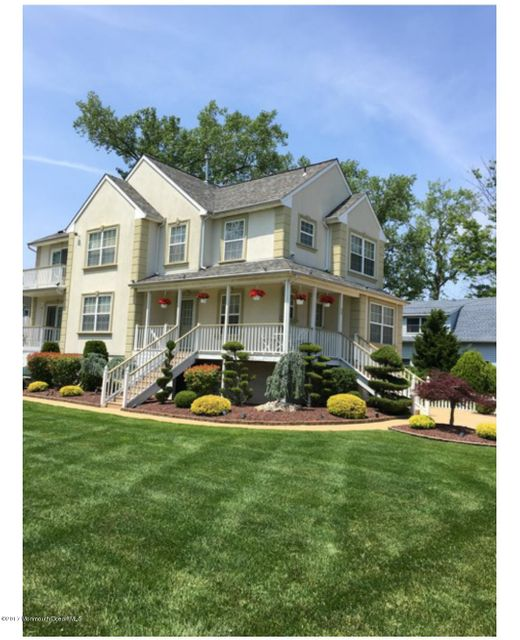 Villa per Vendita alle ore 55 Griggs Avenue Port Monmouth, New Jersey 07758 Stati Uniti