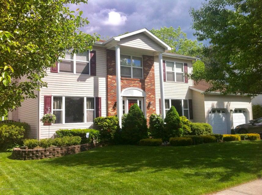 Maison unifamiliale pour l Vente à 25 Bronia Street 25 Bronia Street Howell, New Jersey 07731 États-Unis