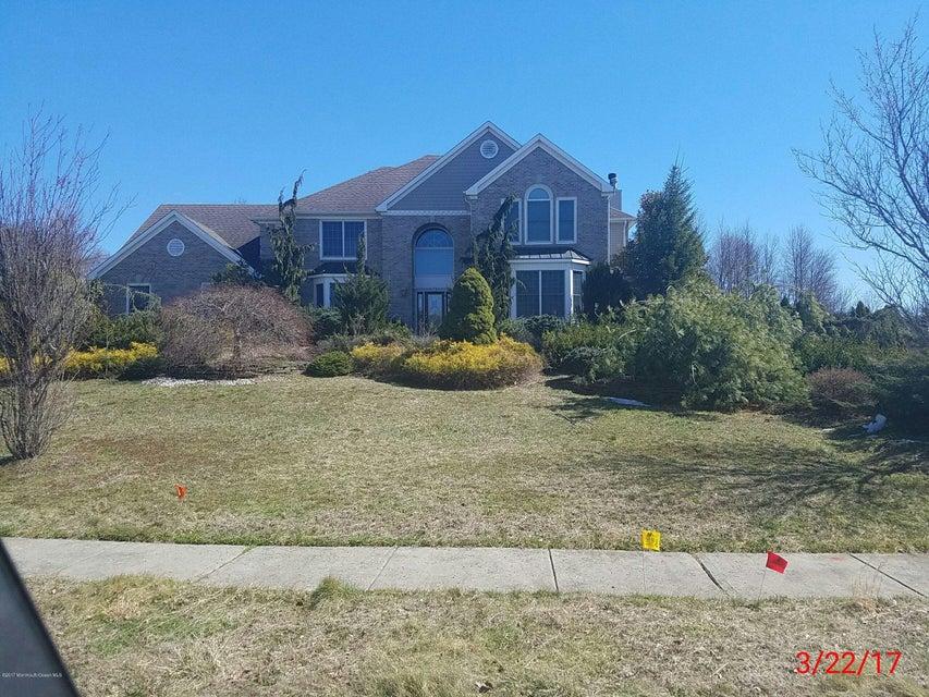 Maison unifamiliale pour l Vente à 108 Blue Jay Court Englishtown, New Jersey 07726 États-Unis