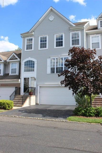 共管式独立产权公寓 为 出租 在 318 Bernard Drive 摩根维尔, 新泽西州 07751 美国