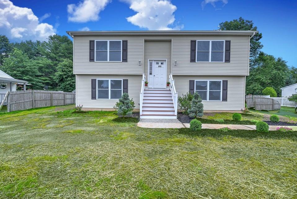 Casa Unifamiliar por un Venta en 152 Snowhill Street Spotswood, Nueva Jersey 08884 Estados Unidos