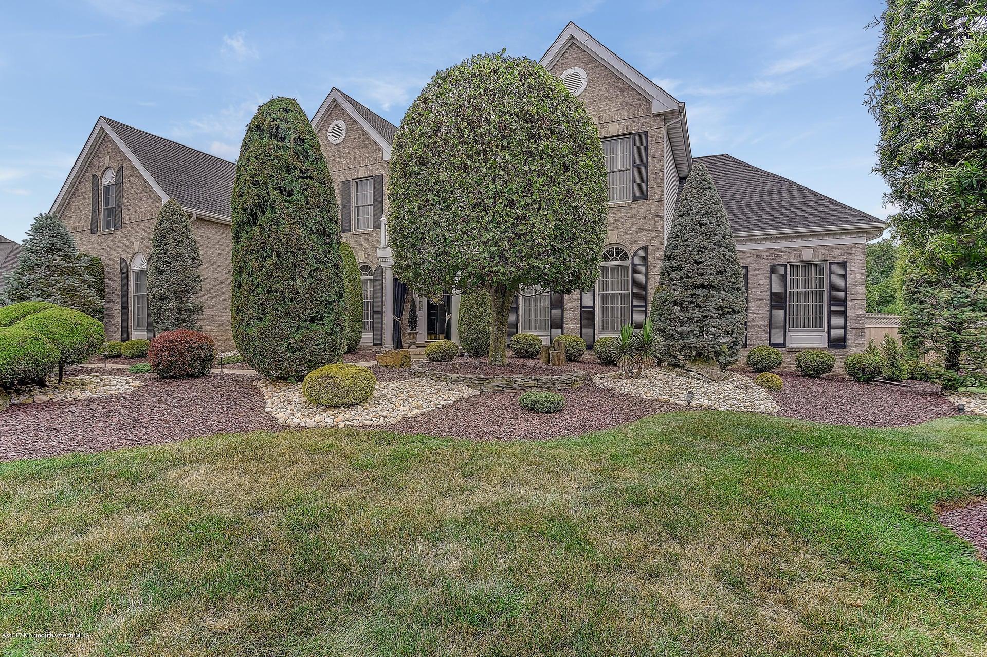 Casa Unifamiliar por un Venta en 1 Country View Drive Freehold, Nueva Jersey 07728 Estados Unidos