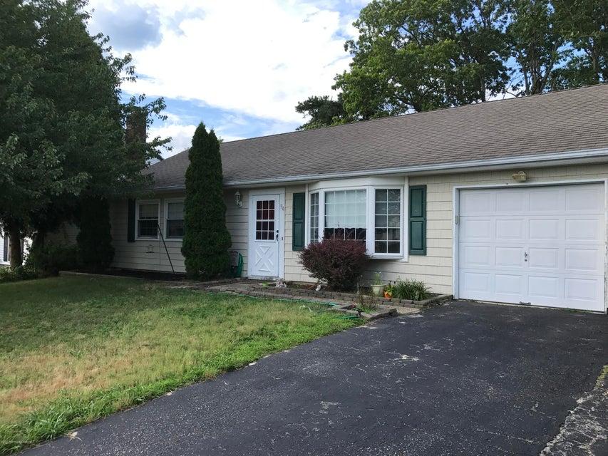 Maison unifamiliale pour l à louer à 94 Village Drive Barnegat, New Jersey 08005 États-Unis