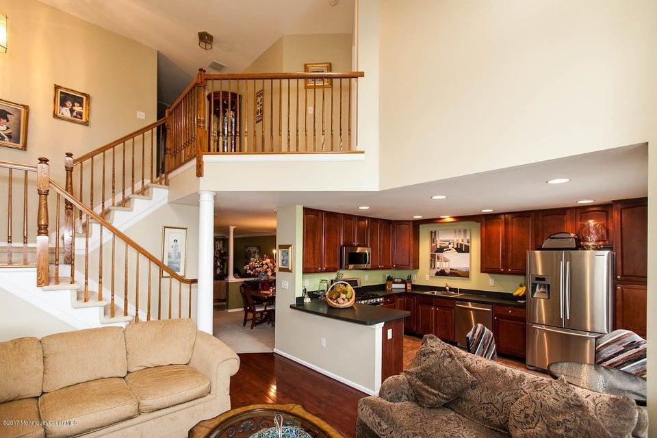 Maison unifamiliale pour l Vente à 5 Ironwood Court 5 Ironwood Court Middletown, New Jersey 07748 États-Unis