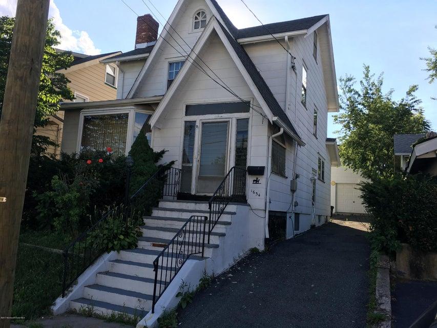 Maison unifamiliale pour l Vente à 1634 Edmund Terrace 1634 Edmund Terrace Union, New Jersey 07083 États-Unis
