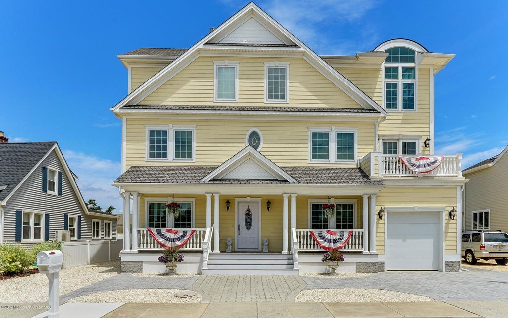 Maison unifamiliale pour l Vente à 113 8th Avenue 113 8th Avenue Normandy Beach, New Jersey 08739 États-Unis