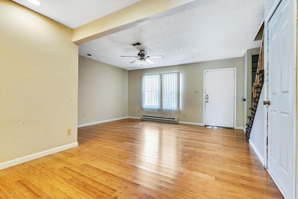 Additional photo for property listing at 131 Downing Street  Lakewood, Nueva Jersey 08701 Estados Unidos