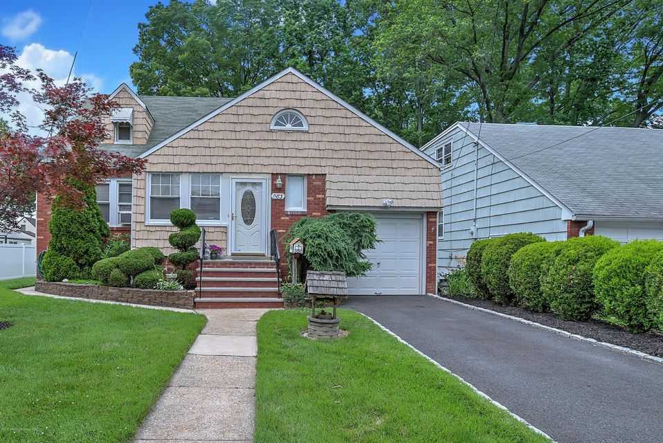Single Family Home for Sale at 1183 Edgewood Parkway Union, New Jersey 07083 United States