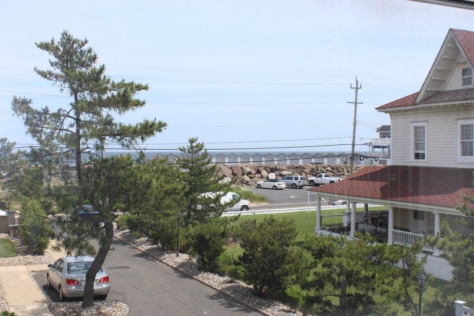 SEA 766 Ocean Ave Kitchen Oceanview