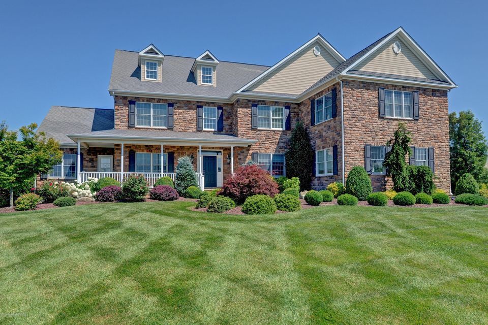 Maison unifamiliale pour l Vente à 27 Skeba Drive 27 Skeba Drive Monroe, New Jersey 08831 États-Unis